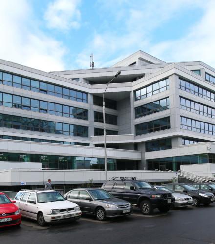 Вентилируемые фасады: офисное здание на Кальварийской