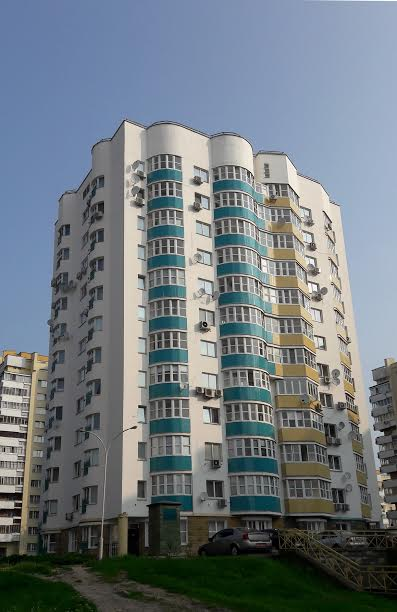 Модернизация фасада: жилой дом по ул. Гвардейская 1